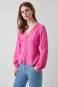 j2qbf-womens-cr-poppink-gina-seersucker-v-neck-top